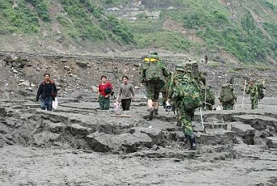 china-sichuan-earthquake-2008-army-remote-area.jpg