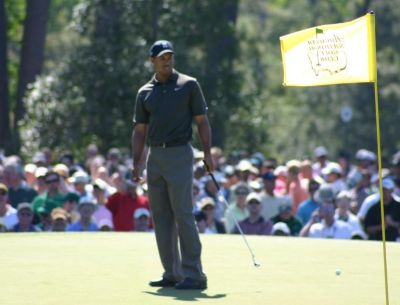 tiger-woods-on-green.jpg