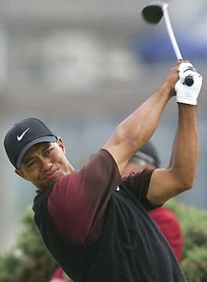 tiger-woods-powerful-swing.jpg