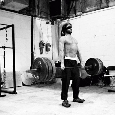 300-movie-workout-deadlift.jpg