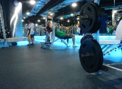 celebrity-fitness-subang-parade-free-weight.jpg
