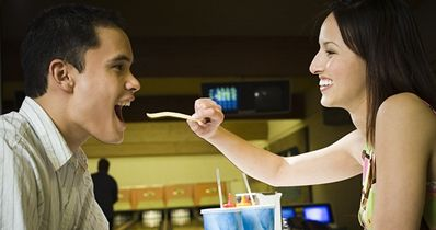 couple-eating-fast-food.JPG