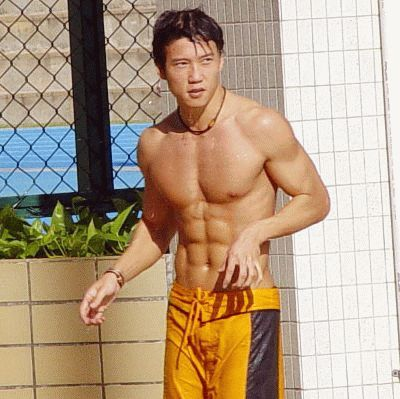 shirtless-vincent-ng-swimming-trunk.jpg