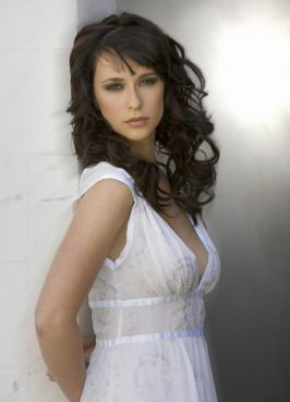 beautiful-jennifer-love-hewitt-picture.jpg