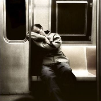 sleep-at-train.jpg