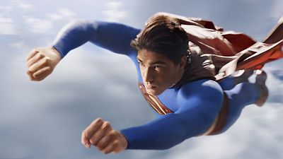 brandon-routh-superman-flying-in-sky.jpg