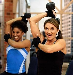 one-arm-dumbbell-tricep-extension-fitness-class.jpg