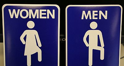 women-and-men-funny-signboards.jpg
