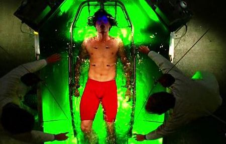smallville-tom-welling-in-water-experiment.jpg