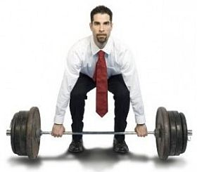 Funny-man-in-tie-lifting-barbell-1.jpg
