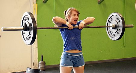 Barbell-Upright-Row-for-Traps.jpg