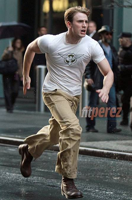 Chris-Evans-Running-Captain-America-Movie.jpg