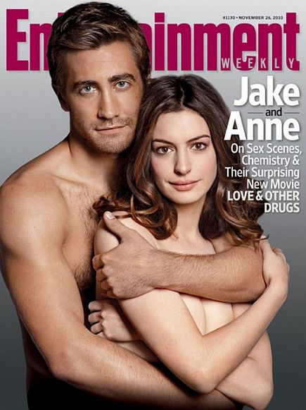 Jake-Gyllenhaal-Anne-Hathaway-Love-and-Other-Drugs-Smile.jpg