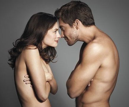 Jake-GyllenhaalAnne-Hathaway-Love-and-Other-Drugs-Nude.jpg