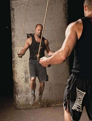 Jason-Statham-Jump-Rope-Workout.jpg