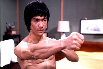 Bruce-Lee-Angry-Punch.jpg