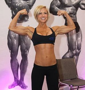 Jamie-Eason-Flexing-Muscles.jpg