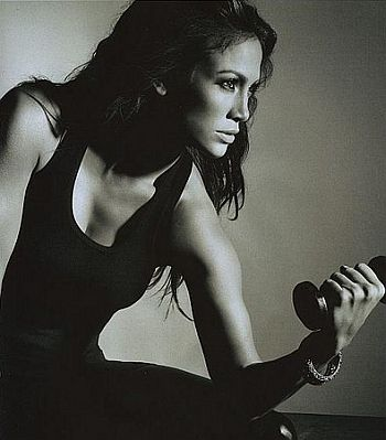 Jennifer-Lopez-Pretending-Work-Out.jpg